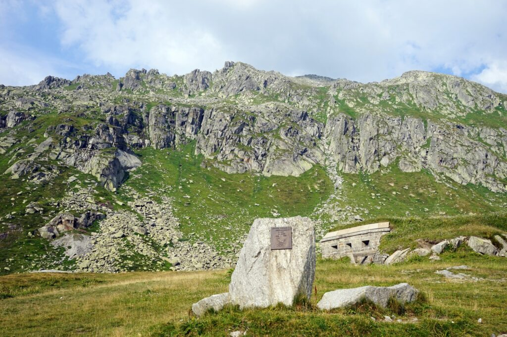 Picture of a typical Swiss mountain fortress with visible embrasures.